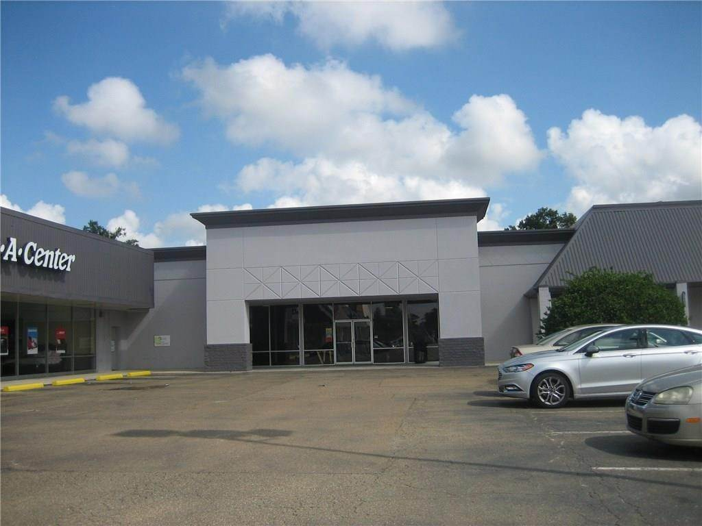 Retail at 2406 W THOMAS Street Hammond, Louisiana 70403 United States