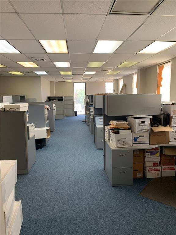 7. Commercial / Office at 1919 VETERANS MEMORIAL Boulevard Kenner, Louisiana 70062 United States