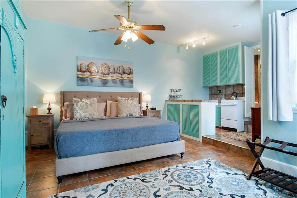 21. Single Family Homes for Sale at 2460 N RAMPART Street New Orleans, Louisiana 70117 United States