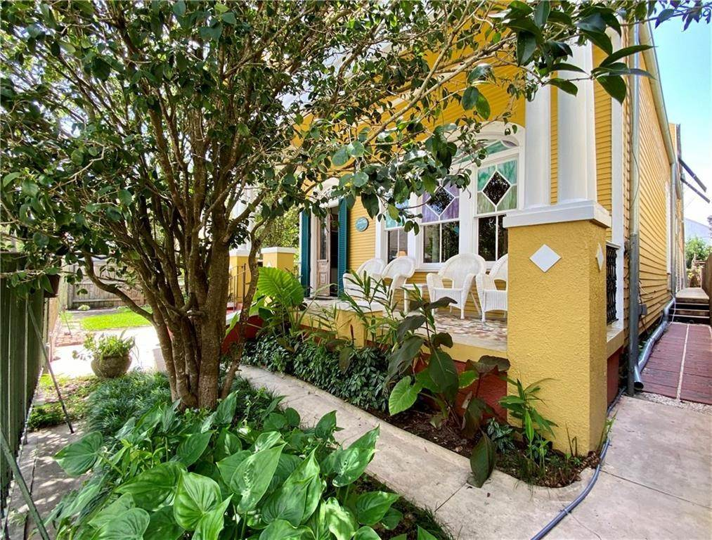 36. Single Family Homes for Sale at 2460 N RAMPART Street New Orleans, Louisiana 70117 United States