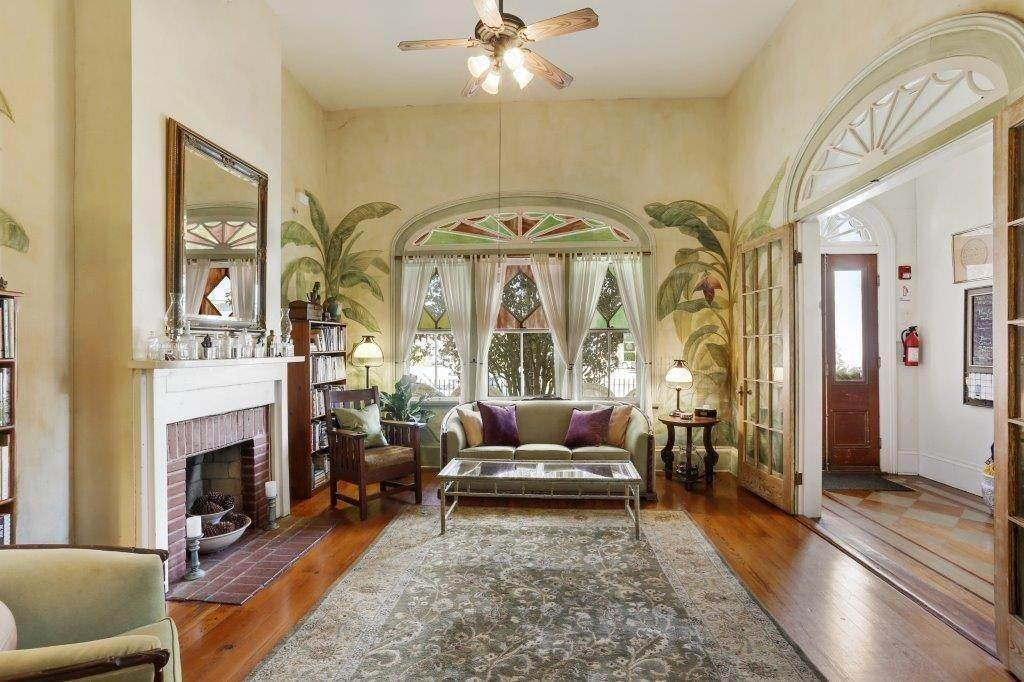 7. Single Family Homes for Sale at 2460 N RAMPART Street New Orleans, Louisiana 70117 United States