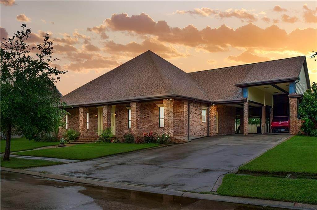 Single Family Homes por un Venta en 210 OAK Drive Braithwaite, Louisiana 70040 Estados Unidos