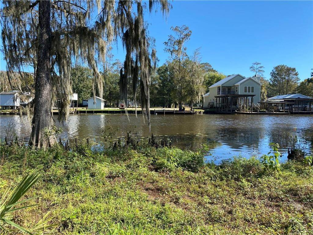 Single Family Homes for Sale at LA TRACE Road French Settlement, Louisiana 70733 United States