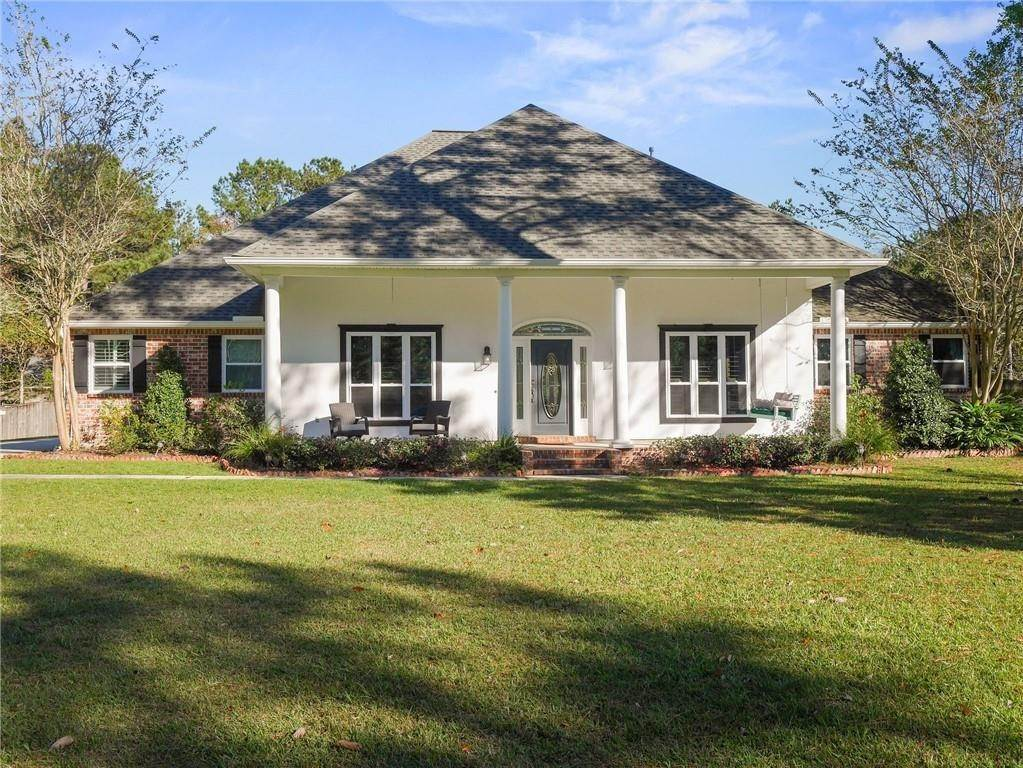 Single Family Homes for Sale at 497 SECLUDED GROVE Loop Madisonville, Louisiana 70447 United States