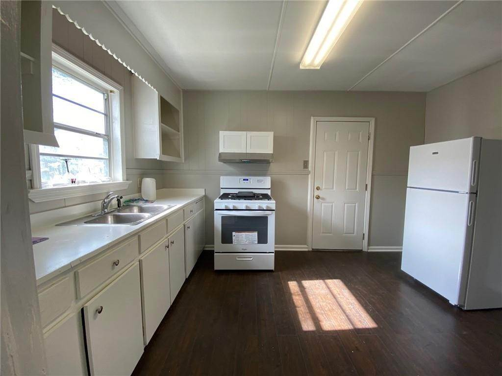 26. Single Family Homes for Sale at 313 S EMILIE Street Garyville, Louisiana 70051 United States