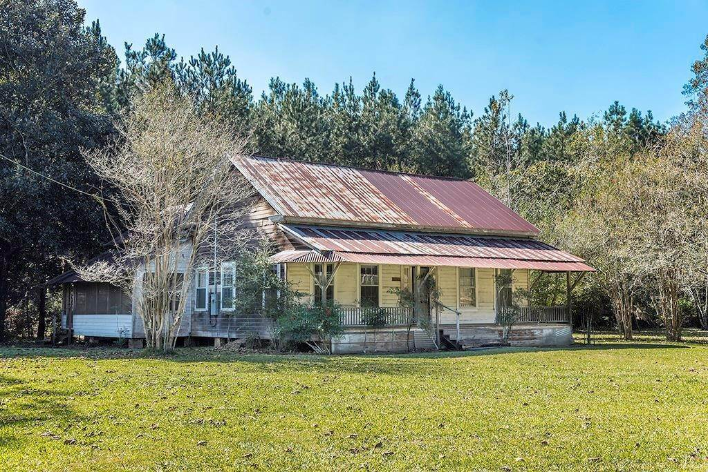 Single Family Homes for Sale at 32182 A. MILLER Road Mount Hermon, Louisiana 70450 United States