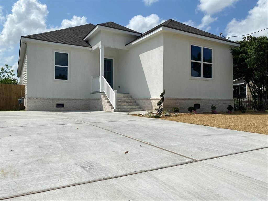 Single Family Homes por un Venta en 1616 ALEXANDER Avenue Arabi, Louisiana 70032 Estados Unidos