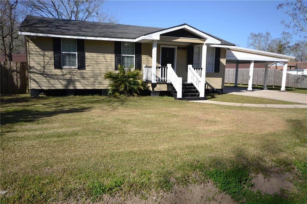 Single Family Homes for Sale at 426 SMITH Street Hahnville, Louisiana 70057 United States