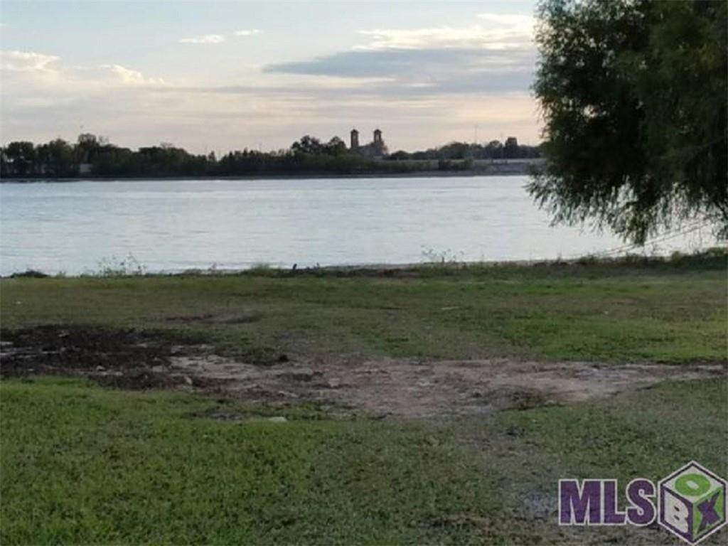 Single Family Homes for Sale at #135 MILE MARKER, RIVER Road La Place, Louisiana 70068 United States