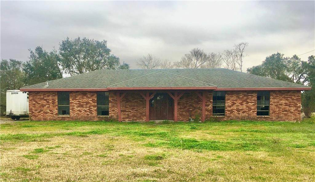 Single Family Homes por un Venta en 2741 HIGHWAY 39 Braithwaite, Louisiana 70040 Estados Unidos