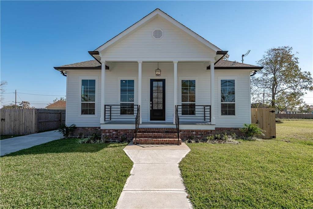 Single Family Homes for Sale at 1613 CENTER Street Arabi, Louisiana 70032 United States