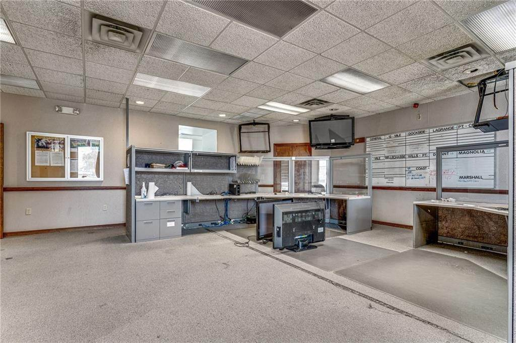 14. Commercial / Office at 8712 HWY 23 Highway Belle Chasse, Louisiana 70037 United States