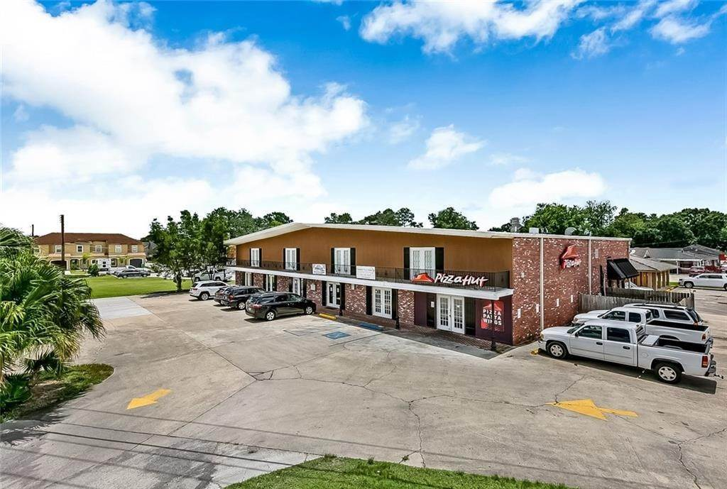 2. Retail at 12439 US 90 Highway Luling, Louisiana 70070 United States