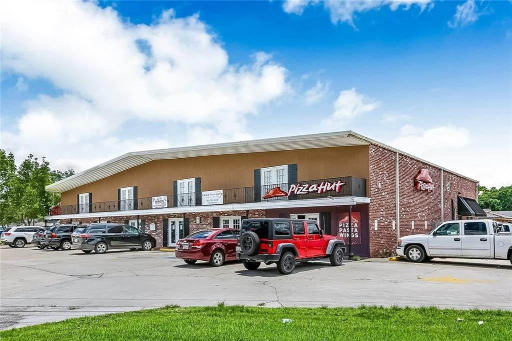 3. Retail at 12439 US 90 Highway Luling, Louisiana 70070 United States