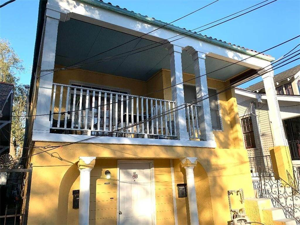 townhouses for Sale at 4311 FONTAINEBLEAU Drive New Orleans, Louisiana 70125 United States