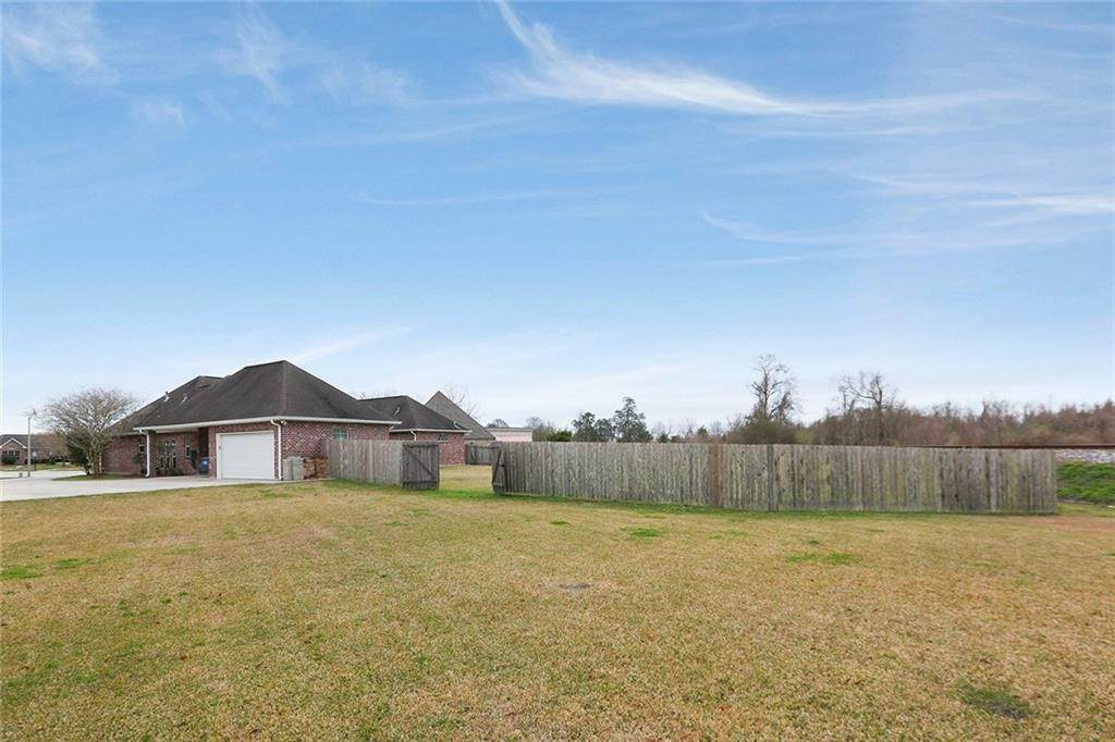 23. Single Family Homes por un Venta en 206 MEREDITH Place Hahnville, Louisiana 70057 Estados Unidos