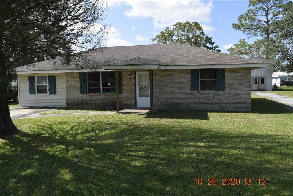 Single Family Homes por un Venta en 134 S LEON Drive Gheens, Louisiana 70355 Estados Unidos