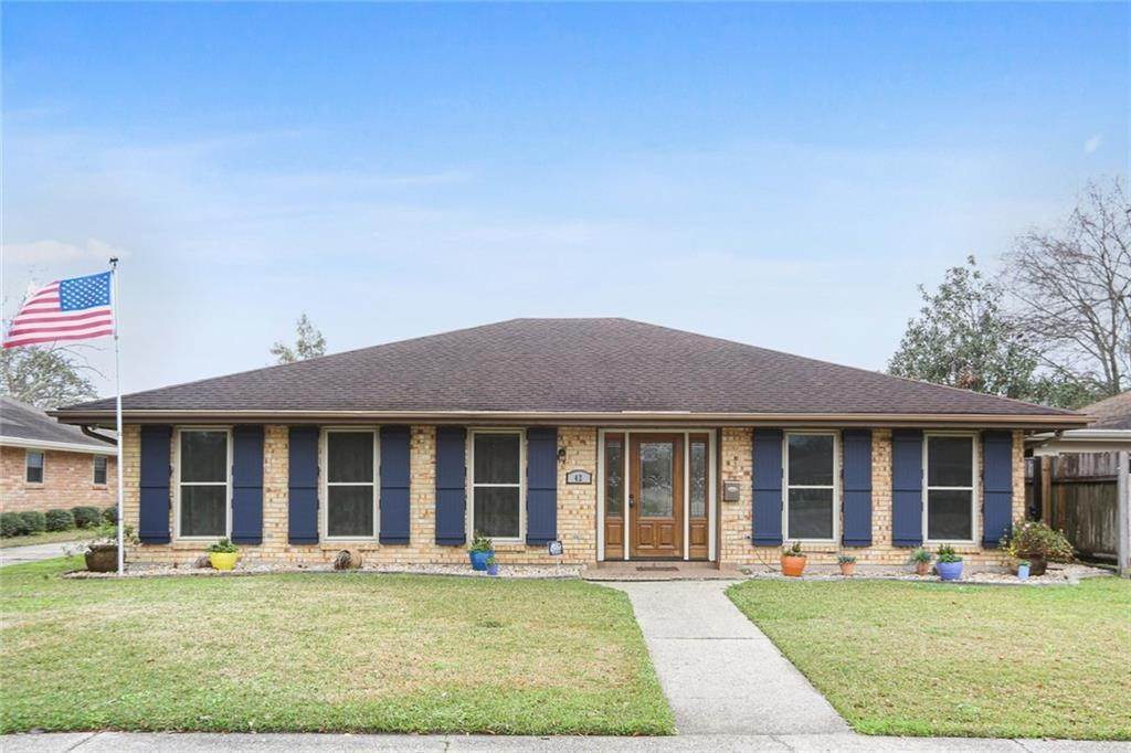 Single Family Homes for Sale at 42 W IMPERIAL Drive Harahan, Louisiana 70123 United States