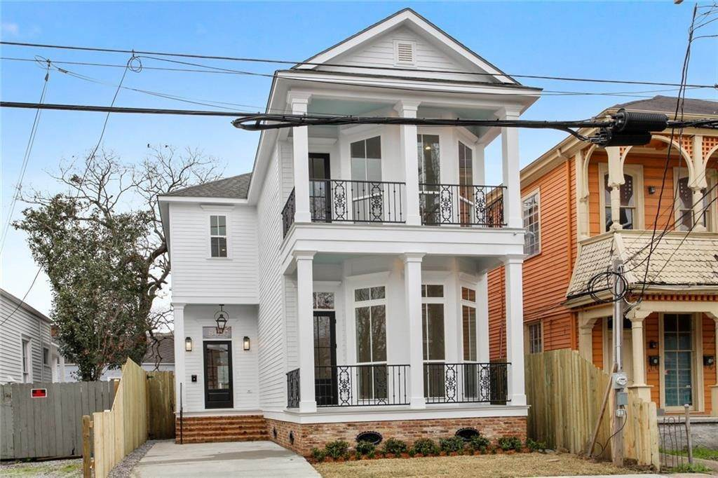 Single Family Homes for Sale at 808 BORDEAUX Street New Orleans, Louisiana 70115 United States