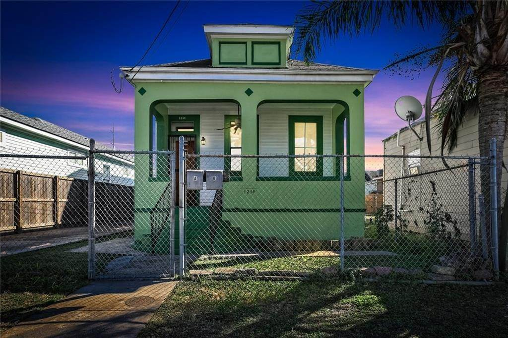 Single Family Homes for Sale at 1214 N JOHNSON Street New Orleans, Louisiana 70116 United States