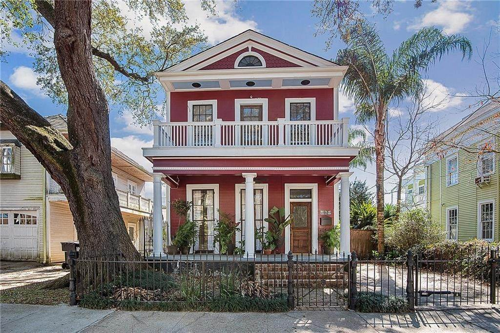 Single Family Homes for Sale at 415 DELARONDE Street New Orleans, Louisiana 70114 United States