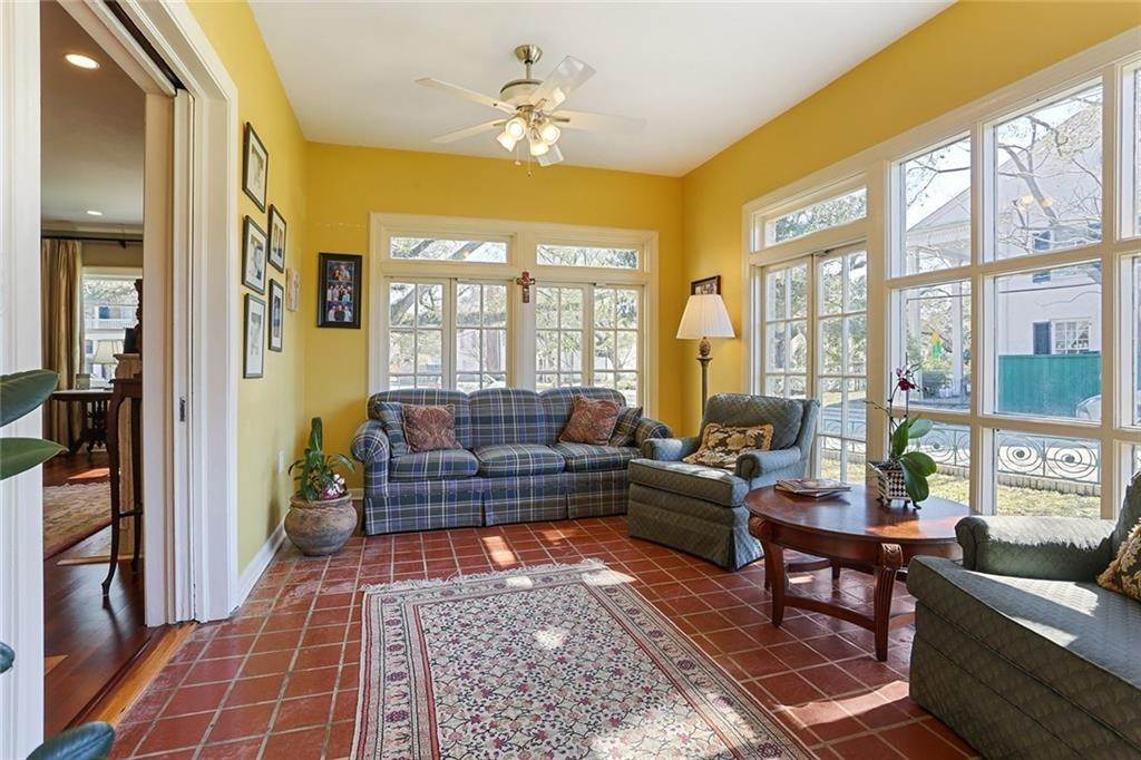 13. Single Family Homes for Sale at 4200 VENDOME Place New Orleans, Louisiana 70125 United States
