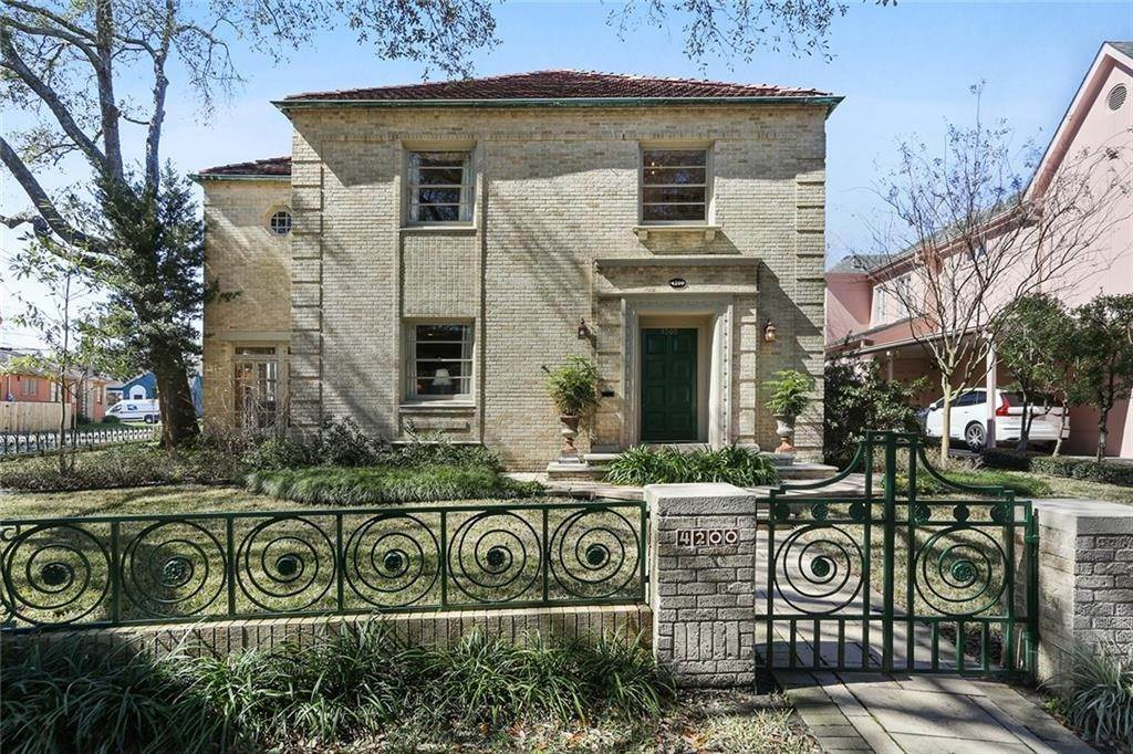 2. Single Family Homes for Sale at 4200 VENDOME Place New Orleans, Louisiana 70125 United States