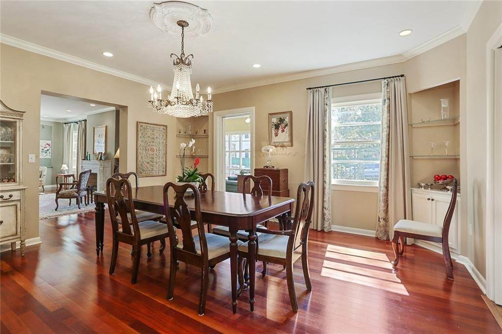 9. Single Family Homes for Sale at 4200 VENDOME Place New Orleans, Louisiana 70125 United States