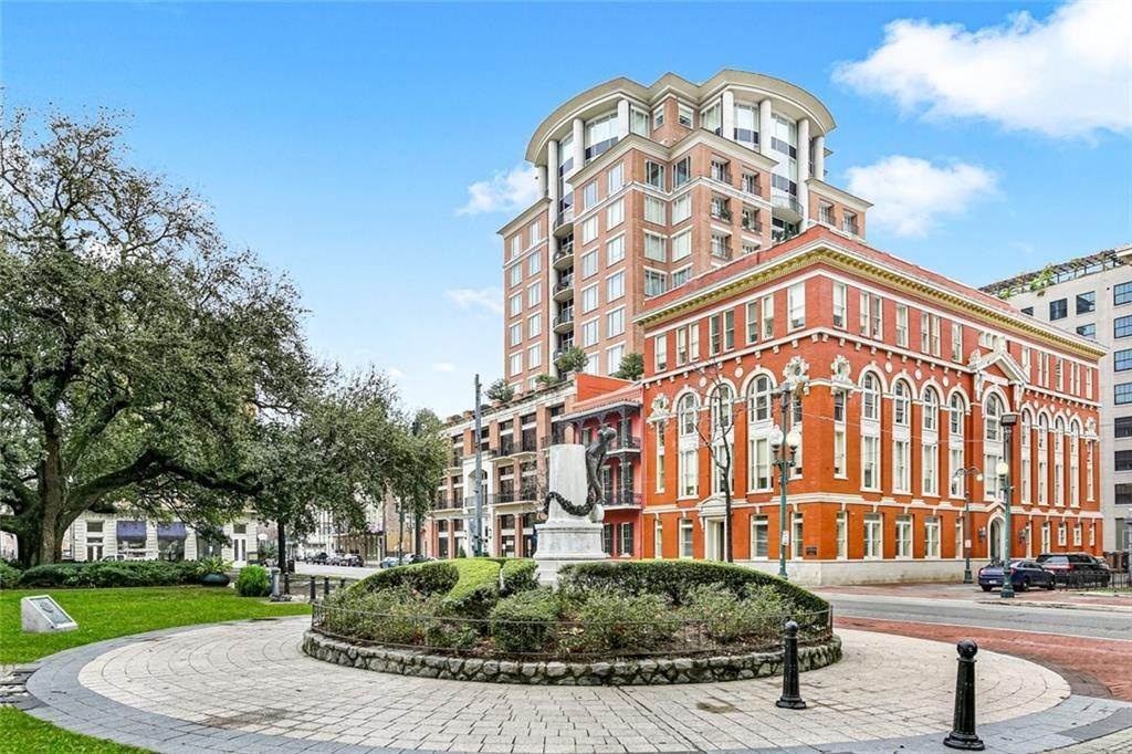 Condominiums for Sale at 625 ST CHARLES Avenue New Orleans, Louisiana 70130 United States