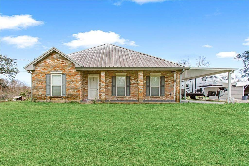 Single Family Homes por un Venta en 2785 HIGHWAY 39 Highway Braithwaite, Louisiana 70040 Estados Unidos