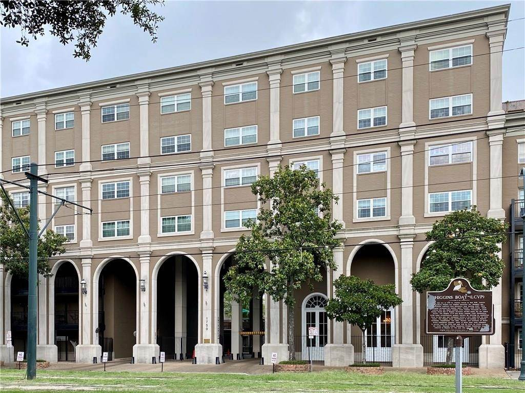 Condominiums for Sale at 1750 ST CHARLES Avenue New Orleans, Louisiana 70130 United States