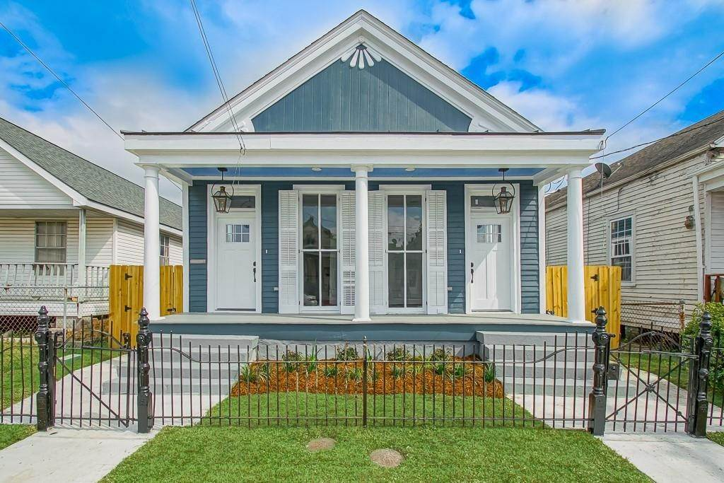 Single Family Homes for Sale at 2733 MILAN Street New Orleans, Louisiana 70115 United States