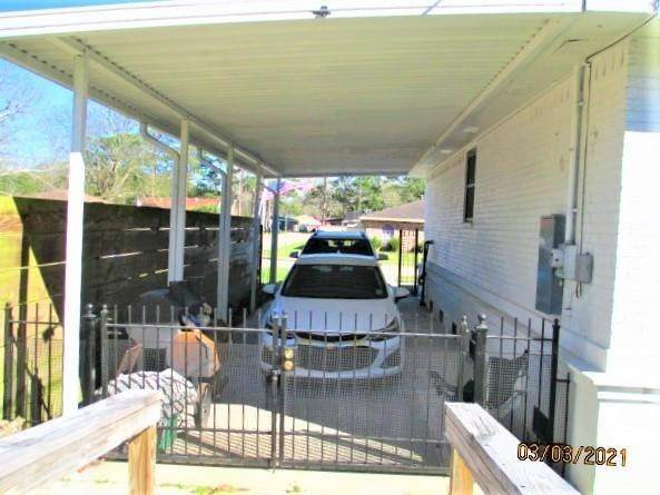 2. Single Family Homes por un Venta en 700 HOOTER Road Bridge City, Louisiana 70094 Estados Unidos