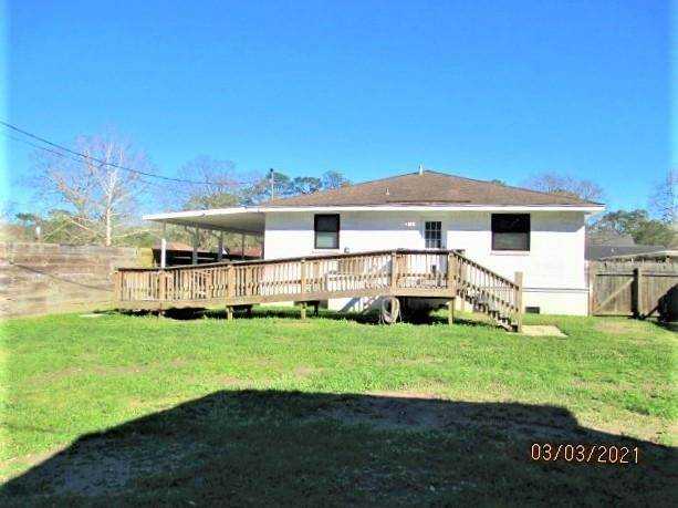31. Single Family Homes por un Venta en 700 HOOTER Road Bridge City, Louisiana 70094 Estados Unidos