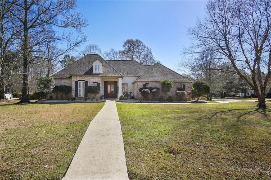 Single Family Homes for Sale at 127 TCHEFUNCTE PARC Drive Madisonville, Louisiana 70447 United States