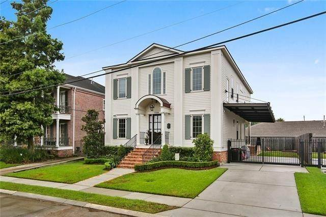 Single Family Homes for Sale at 7140 ARGONNE Boulevard New Orleans, Louisiana 70124 United States
