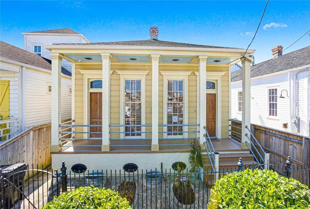 Single Family Homes for Sale at 1724 MARTIN LUTHER KING JR Boulevard New Orleans, Louisiana 70112 United States