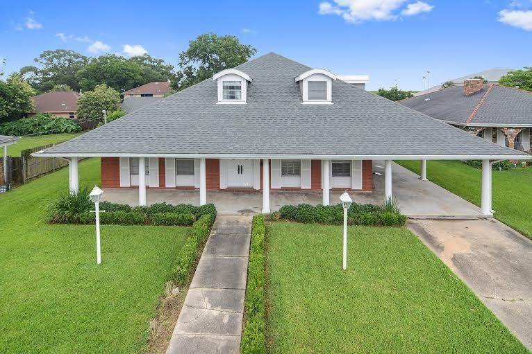 Single Family Homes at 1701 LIVE OAK Street Metairie, Louisiana 70005 United States