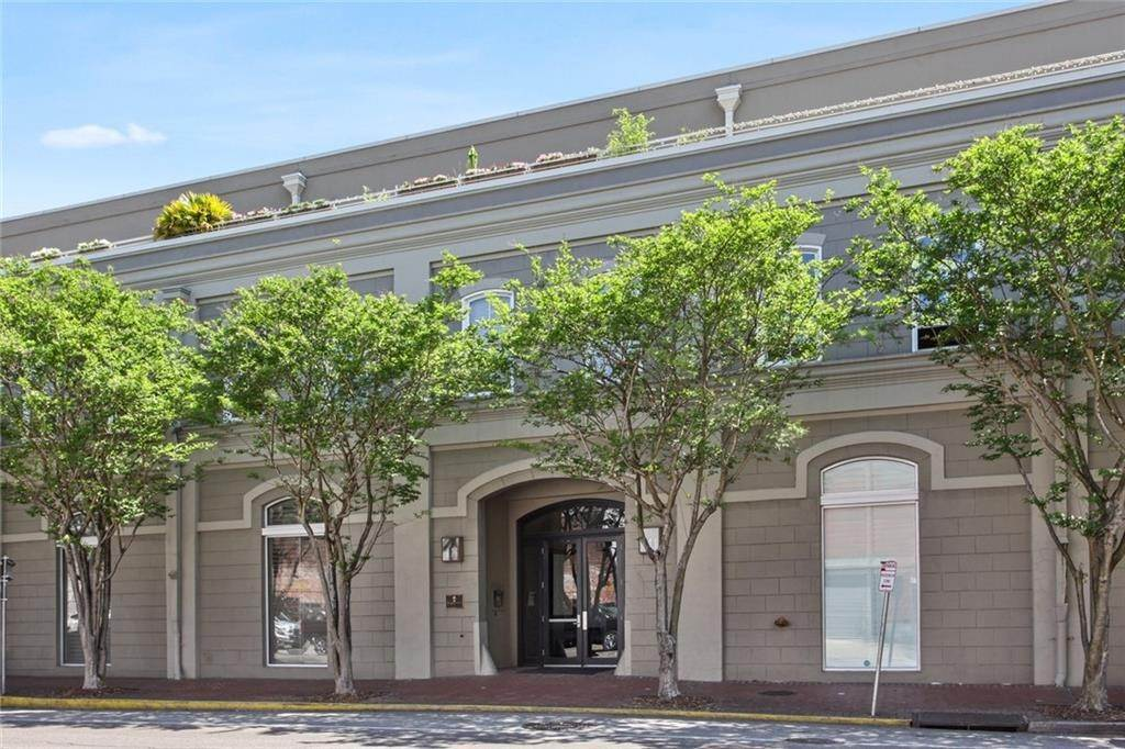 Condominiums for Sale at 840 TCHOUPITOULAS Street New Orleans, Louisiana 70130 United States