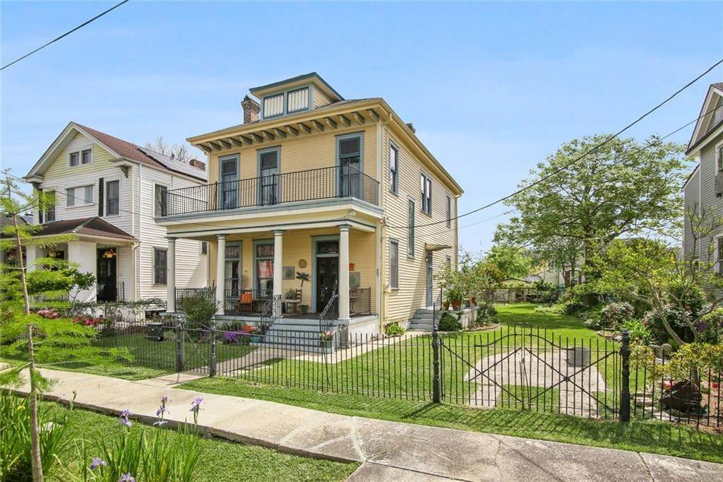 Single Family Homes for Sale at 607 CAFFIN Avenue New Orleans, Louisiana 70117 United States