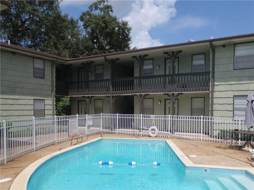 Apartments en 2020 HICKORY Street Harahan, Louisiana 70123 Estados Unidos