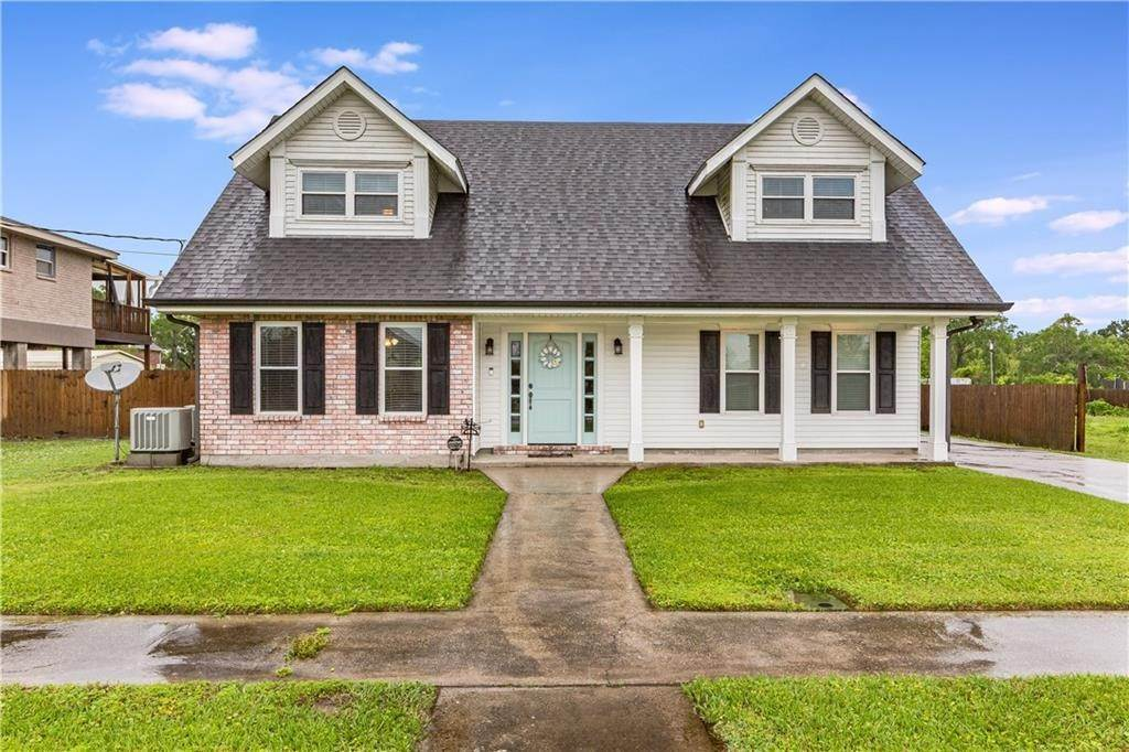 Single Family Homes por un Venta en 134 BAZILE Drive Braithwaite, Louisiana 70040 Estados Unidos