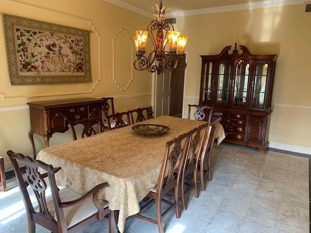 8. Single Family Homes for Sale at 4801 HESSMER Avenue Metairie, Louisiana 70002 United States
