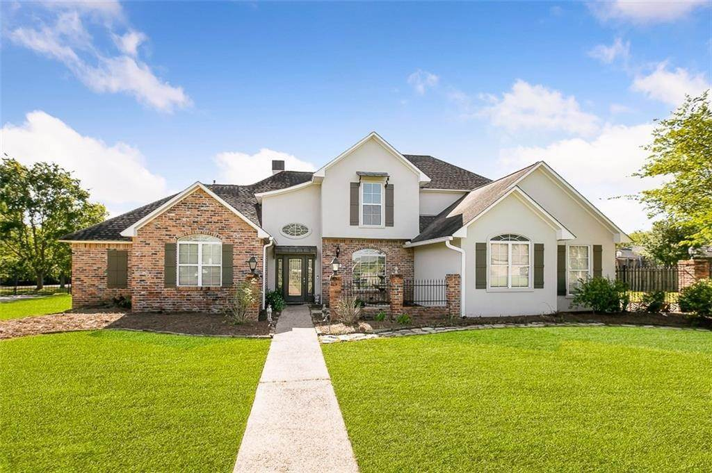 Single Family Homes por un Venta en 38303 LAKEVIEW Court Prairieville, Louisiana 70769 Estados Unidos
