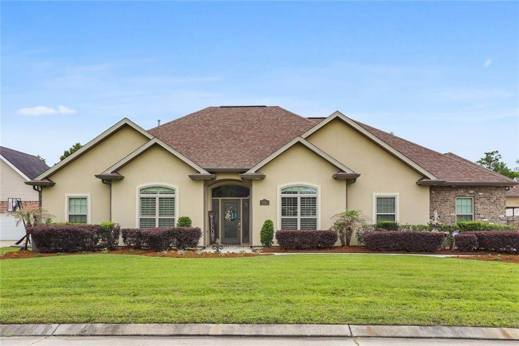 Single Family Homes for Sale at 2705 CYPRESS LAWN Drive Marrero, Louisiana 70072 United States