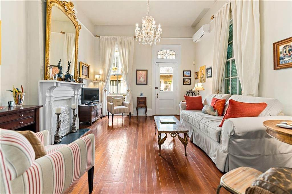 3. Condominiums for Sale at 1224 ROYAL Street New Orleans, Louisiana 70116 United States