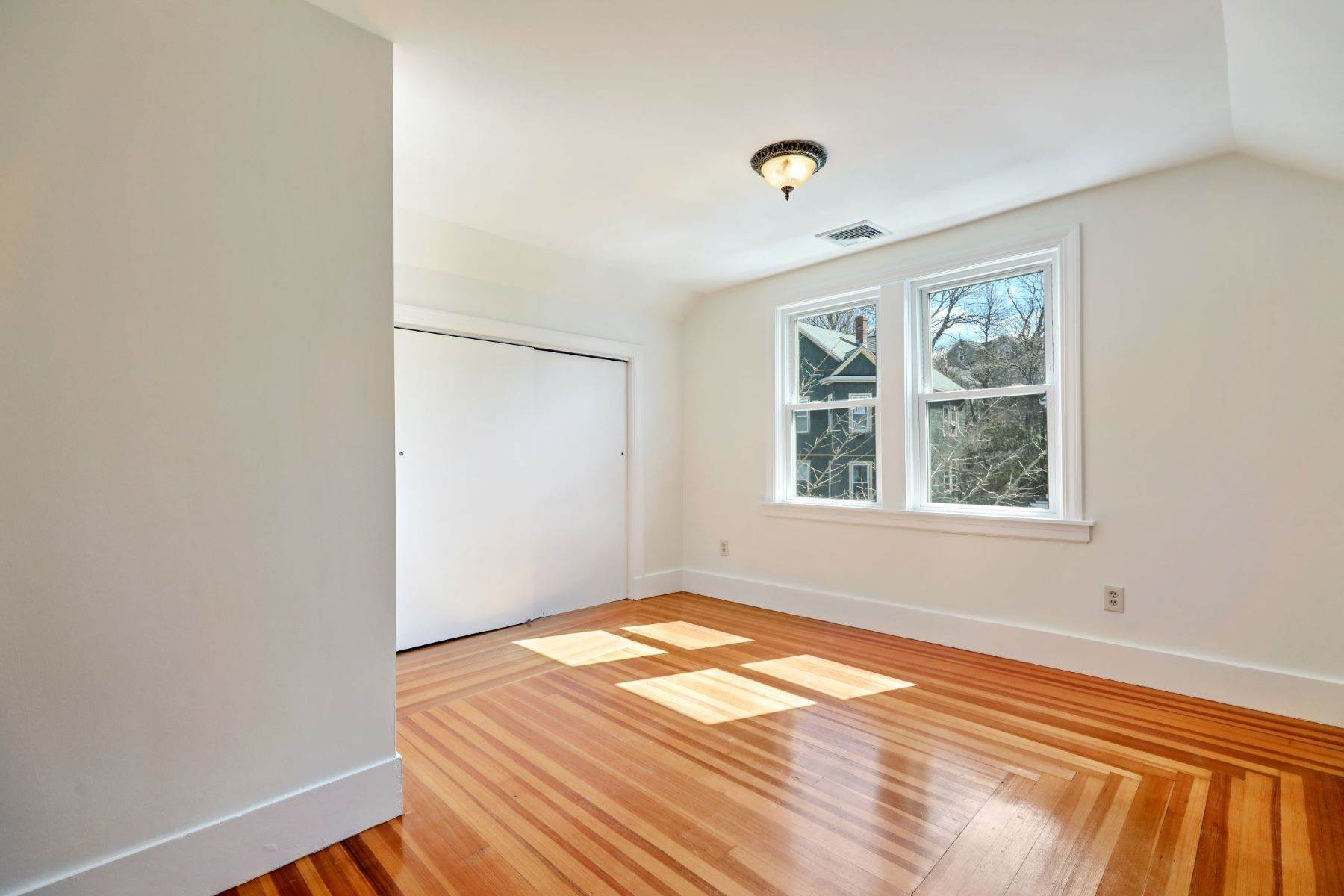 11. Condominiums for Sale at 26 Wenham St, 3 Boston, Massachusetts 02130 United States