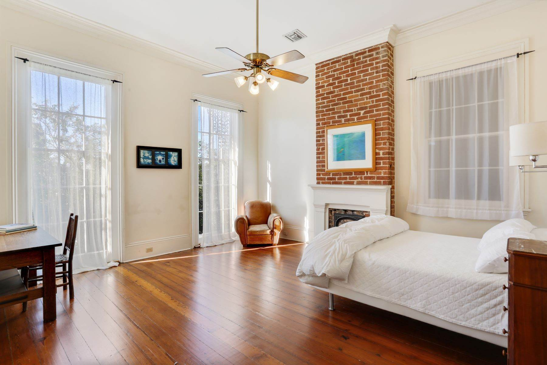 8. Single Family Homes for Sale at 2011 N Rampart New Orleans, Louisiana 70116 United States