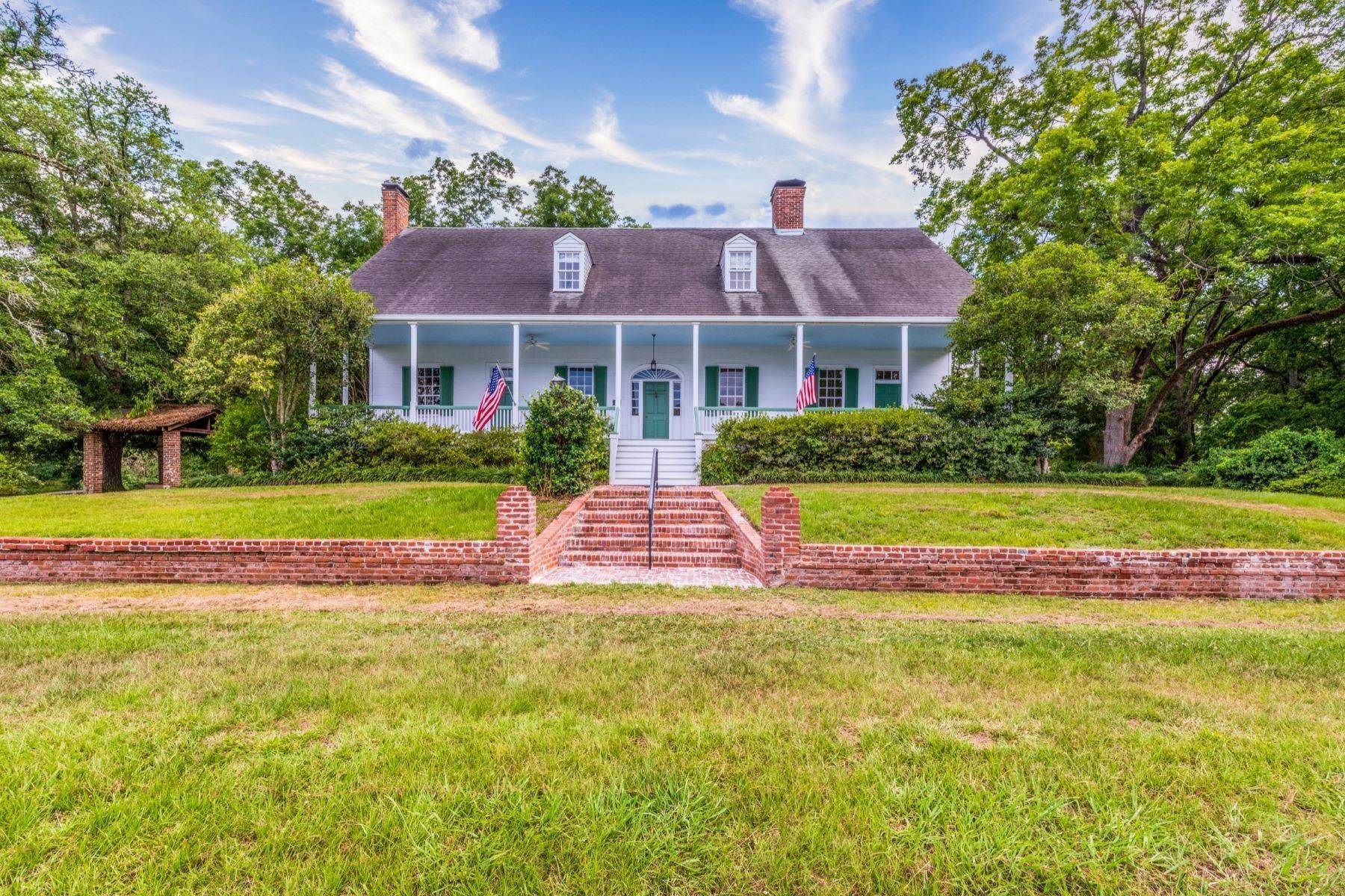 23. Single Family Homes for Sale at Selma Plantation 467 Selma Estates Rd Natchez, Mississippi 39120 United States