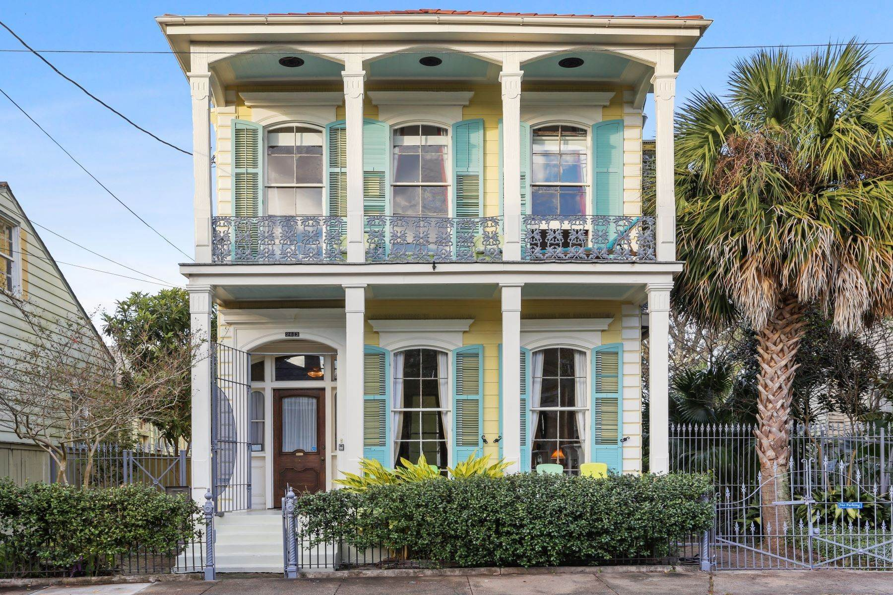 Single Family Homes por un Venta en 2613 Royal New Orleans, Louisiana 70117 Estados Unidos